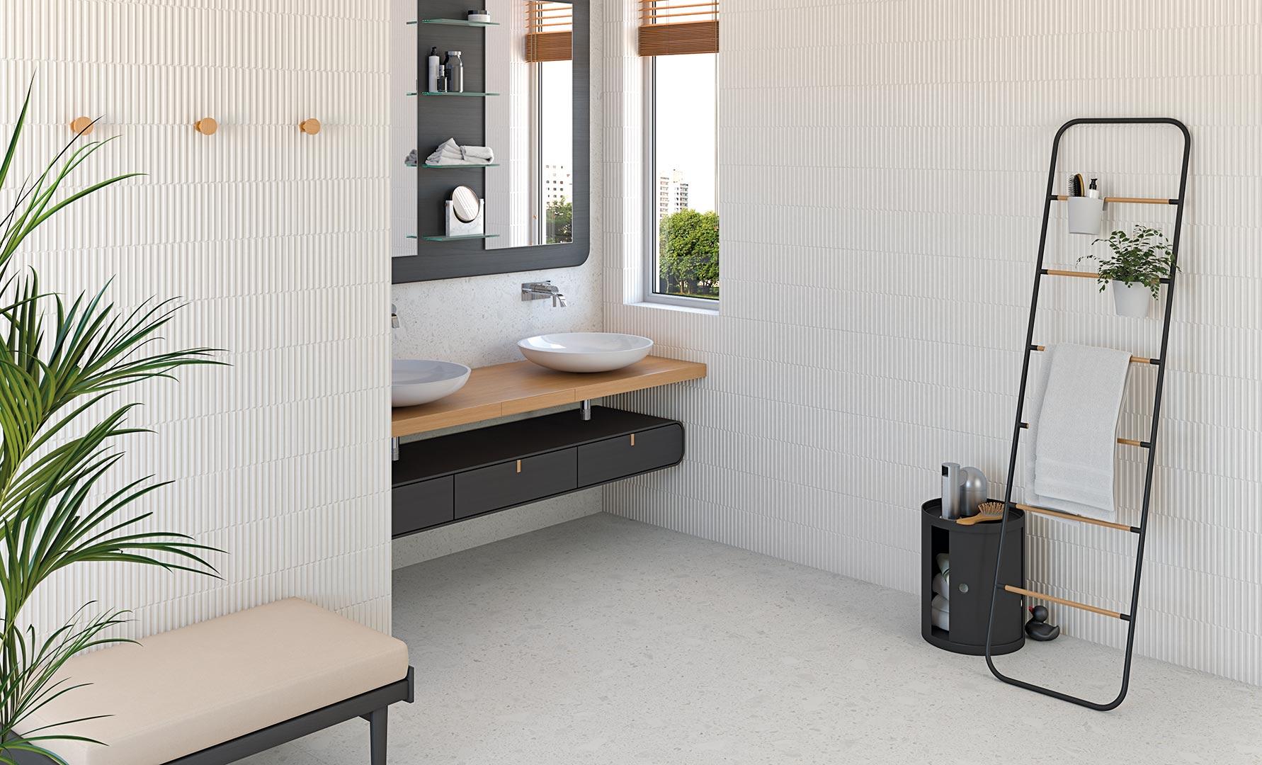 Łazienka z dwiema umywalkami nablatowymi, dużym lustrem i płytkami Miscela-R Nacar