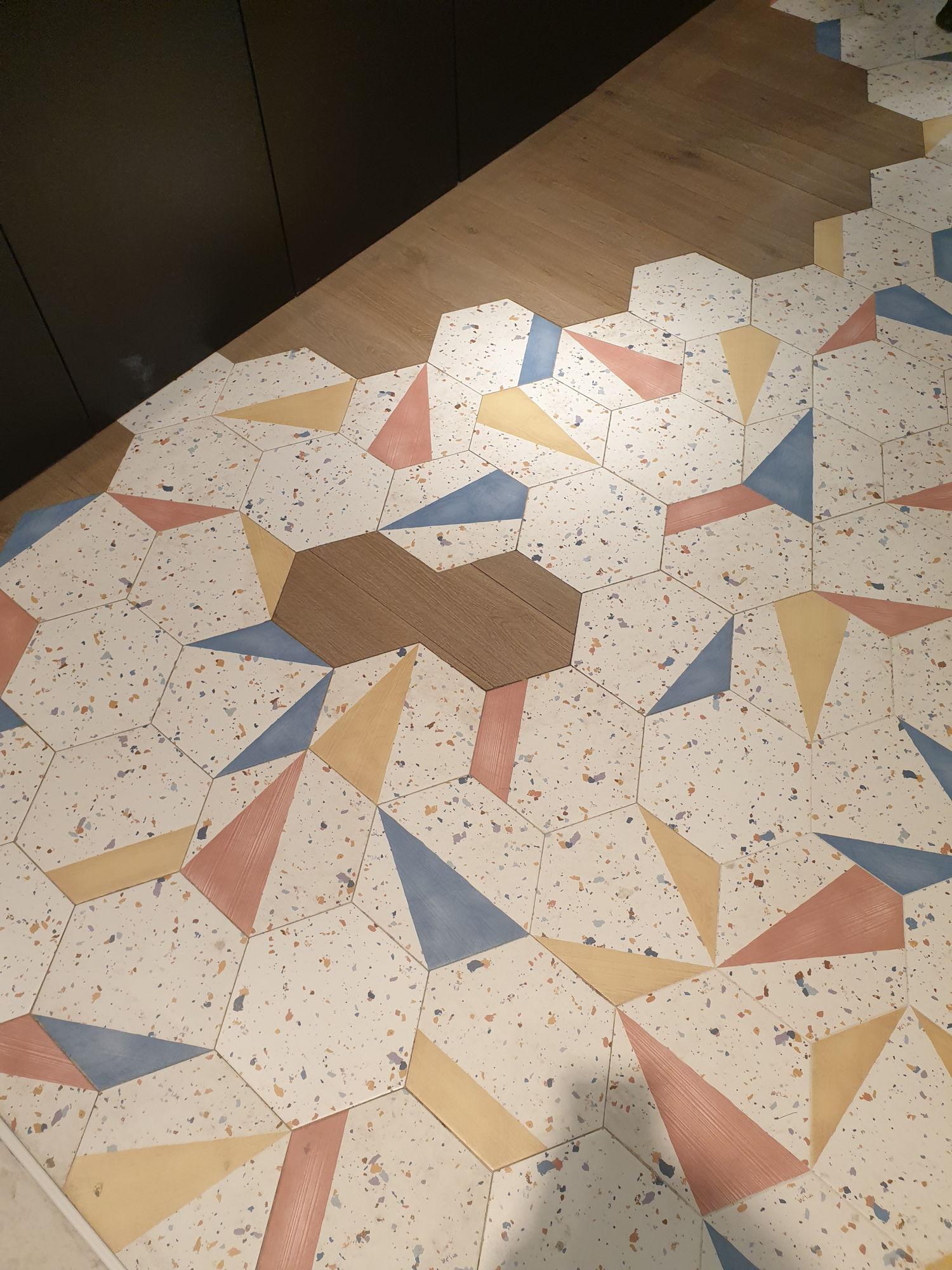 Płytki heksagonalne Aparici Stracciatella lastryko kolorowe