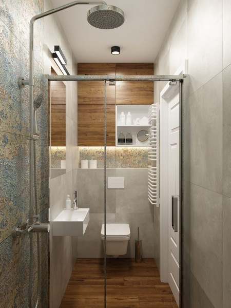 Łazienka z płytkami imitującymi drewno i aparici carpet vestige natural