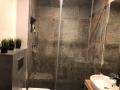 płytki pod prysznic duże