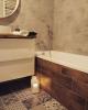 szare płytki patchwork z wzorkami na podłodze w łazience