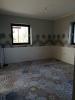 podłoga z płytkami hexagonalnymi i sciennymi