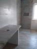 łazienka szare płytki i carpet vestige aparici