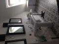 Aranżacja łazienki z płytkami Geotiles Boulebvard Negro 45x45
