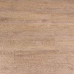 Kompozycja ułożona z płytek podłogowych imitujących drewno w kolorze jasnego brązu Viggo Arce 20x120