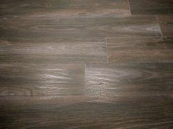 piękne brązowe płytki imitujące drewno