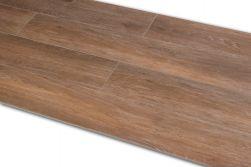 Płytka brązowa imitująca drewno Viggo Nogal 20x75 kilka sztuk ułożonych obok siebie