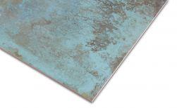 Zbliżenie na detale płytki metalizowanej turkusowej Trace Mint 60x60