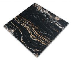 Dwie płytki imitujące marmur czarne w połysku Leeds Negro 60x120