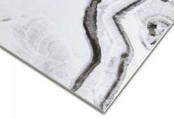 Zbliżenie na kant i wzory płytki imitującej marmur w biało-czarnej kolorystyce At.Shu Mate 60x120