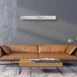 kinkiet PIERCE WHITE 24W LED na grafitowej ścianie z miodowym wypoczynkiem i stolikiem