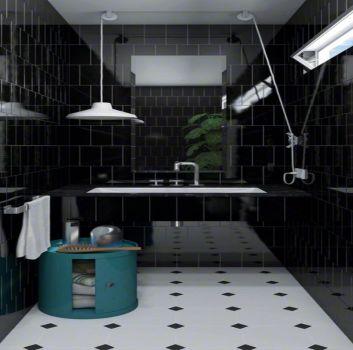 Czarno-biała łazienka z zabudowaną wanną, turkusowym stoliczkiem na kosmetyki i oknem