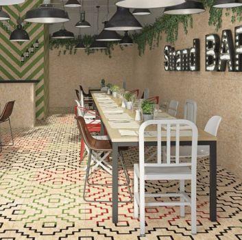 Multikolorowa restauracja z drewnianymi stołami, kolorowymi siedziskami i drewnianym barem