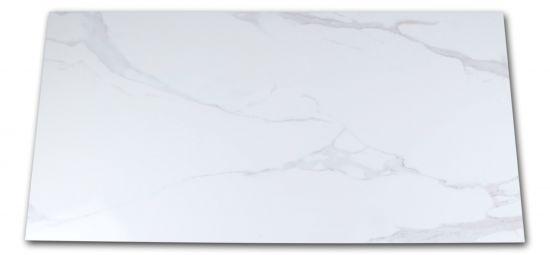 Płytka imitująca marmur biała z jasnymi smugami Pontremoli Brillo 60x120
