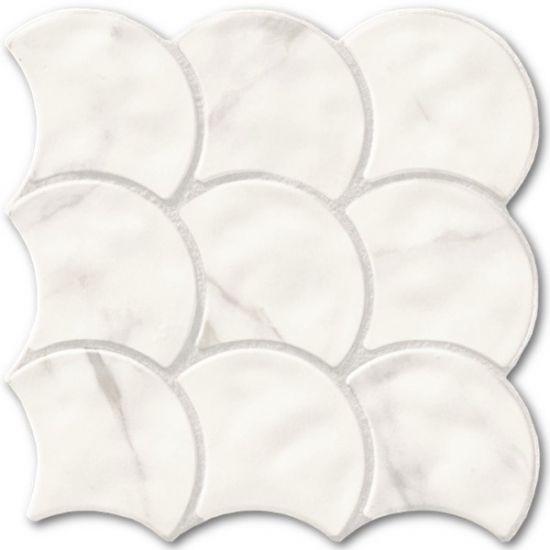 Realonda imitacja marmuru rybia łuska nowoczesna łazienka
