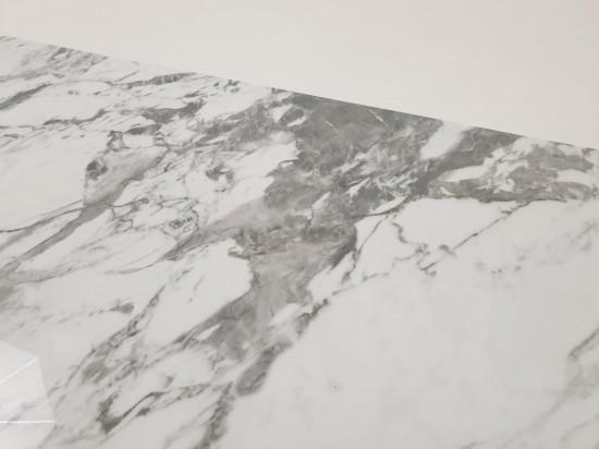Wyraziste wzory na płytkach podłogowych marmurpodobnych Tinenza 60x120