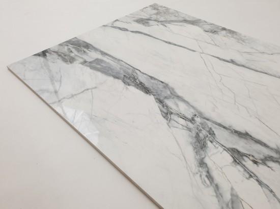Płytki podłogowe do salonu imitujące marmur 60x120