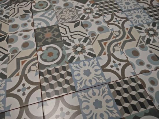 detale płytki patchwork do łazienki kolorowy Barcelona 30x30