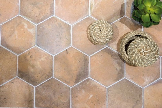 płytki heksagonalne na podłogę