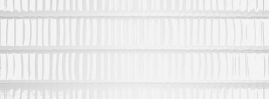 białe płytki łazienkowe strukturalne