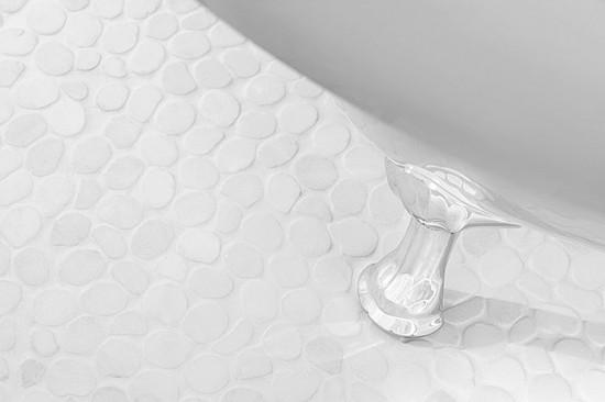 Dunin biała mozaika na ściane biały naturalny kamień